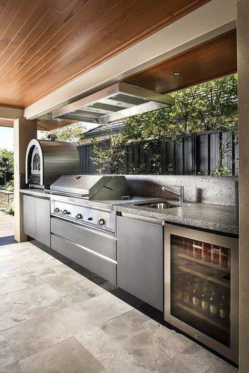 Kerti konyha hűtőszekrénnyel