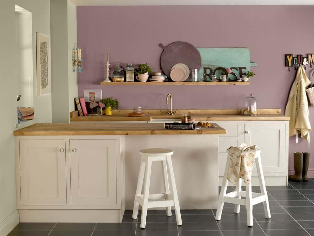 Rózsaszín mosható falfesték konyhában