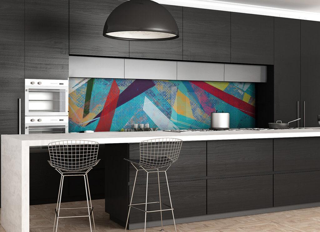 színes mintás konyhai üvegpanel